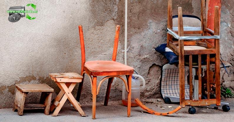 qué hacer con los muebles viejos en madrid